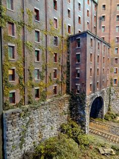 """Franklin & South Manchester Revisited. """"IMHO...more ivy which can and will blanket a building."""" John S."""