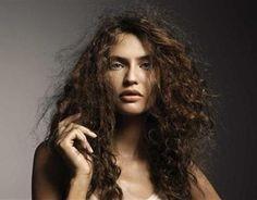 Soluciones para el Cabello Esponjado - Para Más Información Ingresa en: http://hacercrecerelpelo.com/soluciones-para-el-cabello-esponjado/