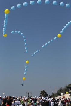 Balloon rosary in Lebanon. So neat, never seen before