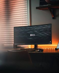 Comment your opinion on this setup. Desk Inspo, Desk Inspiration, Computer Setup, Desk Setup, Clean Desk, Bedroom Closet Design, Custom Pc, Desk Space, Home Office Decor