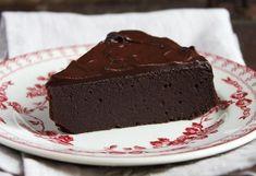 Σοκολατόπιτα γρήγορη και πολύ εύκολη! Sweets Recipes, Easy Desserts, Cookie Recipes, Greek Sweets, Sweet Corner, Think Food, Cake Bars, Sweet And Salty, Food Cravings