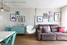 Cores e artes incríveis em um dos nossos ambientes preferidos, projetado pelo Casa 2 Arquitetos. Simplesmente maravilhoso ❤ Vem montar a parede dos seus sonhos com a gente! Aproveite o sábado e visite uma de nossas galerias ;)