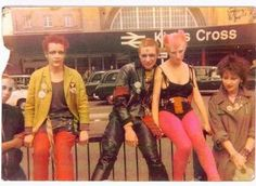 Londoner 1978. - Punks at Kings Cross 1978 - 1979. #photography #londoner