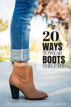 Classic cognac booties with cuffed jeans. I want some boots like this! Rolled Up Jeans, Cuffed Jeans, Skinny Jeans, Ankle Jeans, Jeans With Short Boots, Short Boots With Dresses, Crop Jeans, Women's Shoes, Me Too Shoes
