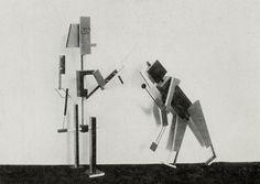 """Figurinen aus dem Marionettenspiel : """"Die Abenteuer des kleinen Buckligen"""". Der Arzt; der Diener. Entwurf : Kurt Schmidt, Ausführung : T. Hergt"""