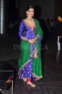 Sonam Kapoor in Anuradha Vakil and the Shahid Mira Reception.
