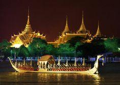 Roayal Barge Procession in Bangkok, Thailand (48 pieces)