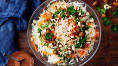 Aasialainen raastesalaatti | Salaatit | Yhteishyvä Fried Rice, Cobb Salad, Fries, Ethnic Recipes, Food, Essen, Meals, Nasi Goreng, Yemek