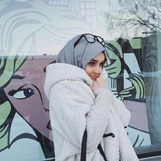 Uploaded by Unknown Hijabi. Find images and videos about fashion, islam and hijab on We Heart It - the app to get lost in what you love. Islamic Fashion, Muslim Fashion, Modest Fashion, Hijab Fashion, Cosy Outfit, Casual Hijab Outfit, Hijab Style, Hijab Chic, Abaya Style