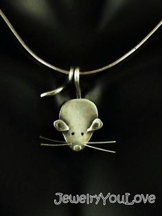 Sterling Silver Mouse Necklace Nibbles por JYLbyPeekaliu en Etsy