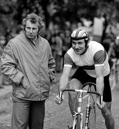 Jan Brzeźny (right) with coach Mieczysław Żelaznowski. 1975. Photo credit: Jan Rozmarynowski/Forum.