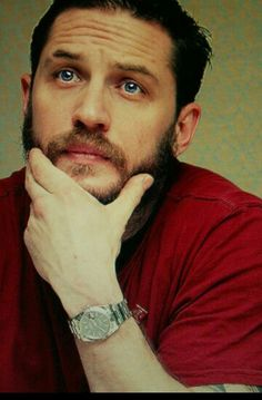 i like my Tom Hardy with some scruff . cant help it lol