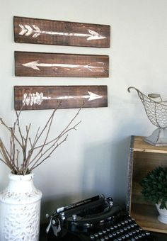 Easy DIY Rustic Painted Arrows. Create your own rustic wall art .