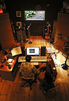 Astonishing Universal Recording On Air Studio In Use Light Warning Lighted Largest Home Design Picture Inspirations Pitcheantrous