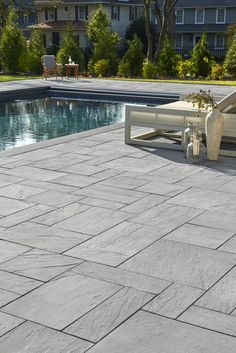 When it comes to patio slabs, some say: go bold or go home. Aberdeen Slabs are massive and luxurious, and could be just what you need. See for yourself! Swimming Pools Backyard, Swimming Pool Designs, Paving Design, Landscaping Design, Stone Around Pool, Pool Paving, Landscape Pavers, Inside Pool, Patio Slabs