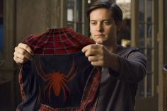 """Toby Maguire as Peter Parker/Spider-Man in the """"Spider-Man"""" movies. Sam Raimi, Spiderman Movie, Latest Music Videos, Man Movies, Reality Tv Shows, Amazing Spider, Man Photo, Marvel Movies, Tom Holland"""