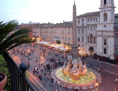 Piazza Navona....just so happens to be my favorite place in all of italy!!