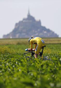 Chris Froome - Sky Pro Cycling Team, in TT im Mont Saint Michel Tour de France 100 (2013).
