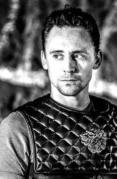 Tom Hiddleston performing as Coriolanus.
