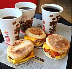 Just stumbled across this cool page for Burger King Yummy Fast Food, Delicious Food, Yummy Yummy, Tasty, Snack Recipes, Dessert Recipes, Cooking Recipes, Desserts, Junk Food Snacks