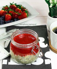 Qchenne-Inspiracje! Odchudzanie, dietoterapia, leczenie dietą: Pudding jaglany z wanilią i musem truskawkowym! Na śniadanie, deser, przekąskę do zabrania do pracy lub szkoły!