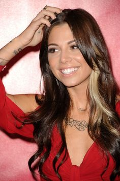 Christina Perri Hair. So, I am thinking I just may experiment with the hair bleach this weekend!