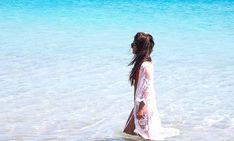 Je voulais mettre un filtre sur cette photo mais finalement je crois que ce n'est pas nécessaire...         #corsica #corse #bonifacio #lepetitsperone #plage #playa #beach #clearwater #eauturquoise #azure #island #islandlife #paradise #livingthelife Azure, Bonifacio, Turquoise, Corsica, Cover Up, Instagram, Beach, Photos, Dresses
