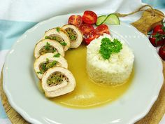 Raspberrybrunette Caprese Salad, Sushi, Grains, Ethnic Recipes, Food, Essen, Yemek, Insalata Caprese, Meals