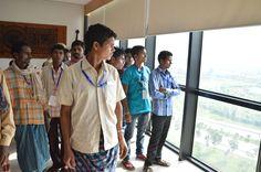 13-14 जुलाई 2016। नारायणपुर जिले से आए पंचायत जनप्रतिनिधियों ने नया रायपुर स्थित मंत्रालय भवन में कई विभागीय कार्यालयों को अंदर से देखा। भ्रमण के दौरान उनसे पंचायत एवं ग्रामीण विकास के अपर मुख्य सचिव श्री एम.के. राऊत ने मुलाकात की. श्री राऊत ने सभी जनप्रतिनिधियों का हौसला बढ़ाया, उनके रायपुर एवं नया रायपुर भ्रमण के बारे में पूछा एवं मौजूद गाइडों से संपूर्ण भ्रमण का ब्यौरा लिया. साथ ही उनको आगे जाने वाले स्थानों के विषय में पूछा.