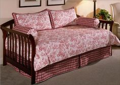 Photo : Red Daybed Cover Images