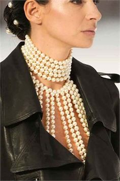 unconventional pearls & leather from Chanel spring summer 2012 - Vogue.it