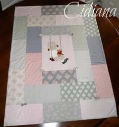 Cidiana: A quilt for Martina Baby Patchwork Quilt, Cot Quilt, Baby Girl Quilts, Girls Quilts, Applique Quilts, Baby Applique, Baby Quilt Patterns, American Quilt, Baby Fabric