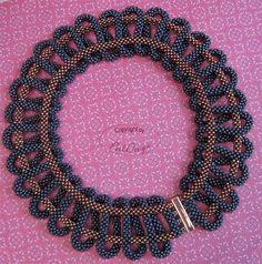 PerlDesign пост с работой тут: http://perldesign.blogspot.ru/2014/05/necklace-loopy.html