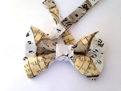 Hey, I found this really awesome Etsy listing at https://www.etsy.com/listing/224880094/clock-bow-tie-travel-bow-tie-time-bow