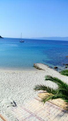 Παραλία Αλυκών (Alykes Beach) στην περιοχή Αμμουλιανή, Χαλκιδική