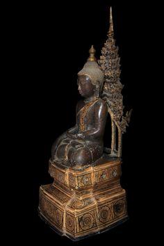 Extremely Rare 18C Bronze Burma Shan Buddha