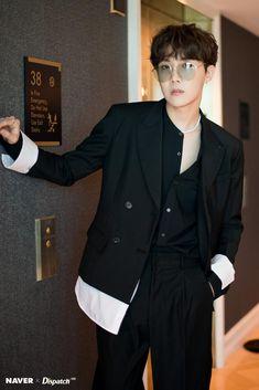 Dispatch x BTS: Billboard Music Awards J-hope (Hoseok) Gwangju, Jungkook Jimin, Bts Bangtan Boy, Taehyung, Jung Hoseok, J Hope Selca, Bts J Hope, Park Ji Min, Billboard Music Awards