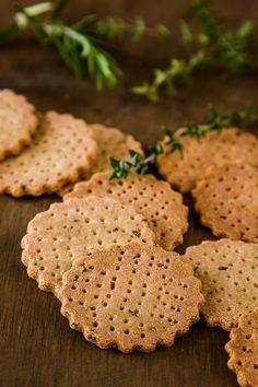 Herb and Garlic Amaranth Crackers #vegan #glutenfree| DeliciousEveryday.com