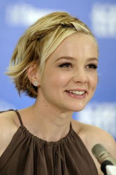Love this short hairstyle! (Carey Mulligan)