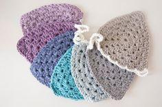 Items similar to Crochet Bunting / Crochet Garland / Triangles / Granny Chic / Shabby Chic / Boho on Etsy Crochet Bunting, Crochet Garland, Crochet Flowers, Crochet Granny, Crochet Hats, Crochet Blankets, Shaby Chic, Diy Shops, Granny Chic