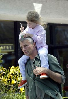 RDA and Wylie... Eating ice cream off Daddy's head...