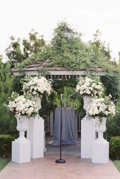 photo: Esther Sun Photography; Gorgeous wedding ceremony idea