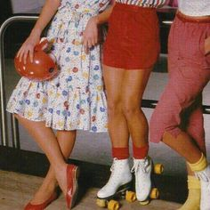 Imagem de vintage, retro, and aesthetic Aesthetic Vintage, Aesthetic Photo, Aesthetic Pictures, 1970s Aesthetic, Aesthetic Fashion, Aesthetic Grunge, Fashion 60s, Foto Fashion, Retro Vintage Fashion