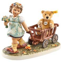 Tag Along Teddy - Hummel Gifts