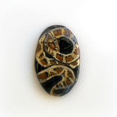 Hand Painted Agathe Stone - Snake - With hole - 33 x 20 mm di archidee su Etsy