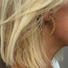 AGNÈS DE VERNEUIL Boucles d'oreilles en vermeil avec perles - or