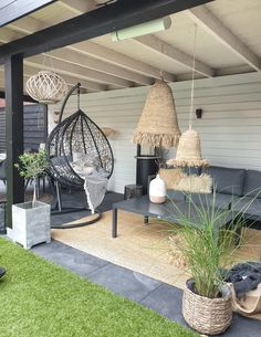 ibiza stijl in je veranda - - Jardin Boheme Recup Decor, Garden Room, Outdoor Decor, Rustic Home Design, Backyard Decor, Patio Design, Outdoor Garden Furniture, Boho Garden, Back Gardens