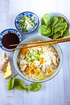 CUISINE_COMPANION-MONTHLY_RECIPES-OCTOBER-10_MINUTES_RECIPES-CL-HD-DISH-CHICKEN_AND_VEGETABLE_RAMEN_NOODLES