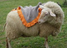 """Schaf mit Tuch """"Mara"""""""