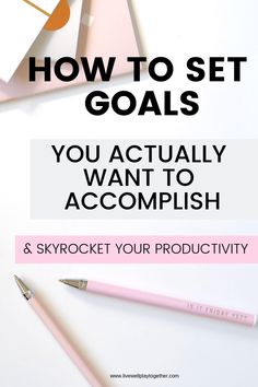 Setting Goals that Work : How to Set Goals and Get More Done. Goals are the same way. Learn how to create a solid foundation for goal setting and then set goals that work. Mom Advice, Parenting Advice, Time Management Tips, Setting Goals, Mom Blogs, Blog Tips, Relationship Advice, Self Improvement, Priorities